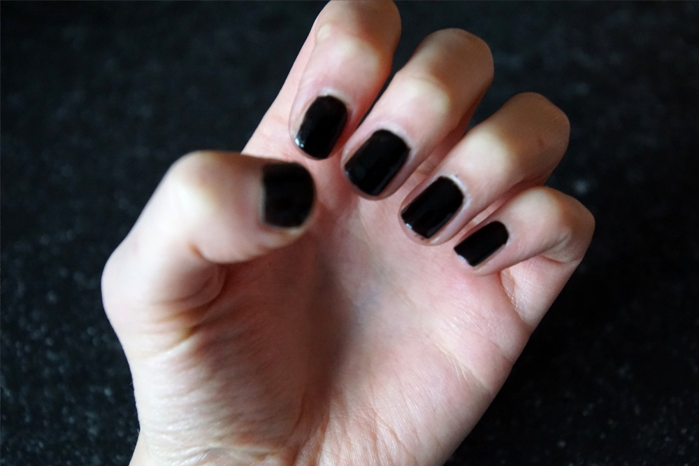 NewYearsEve nails black