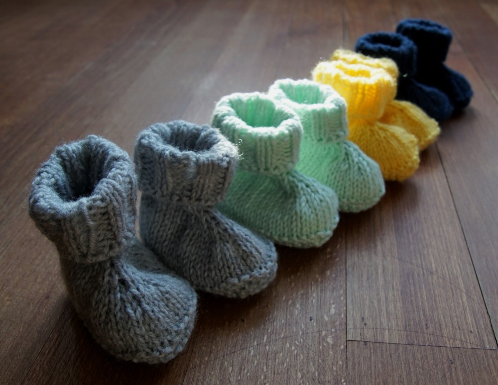 Baby booties knit grey, yellow, dark blue mint 2.2