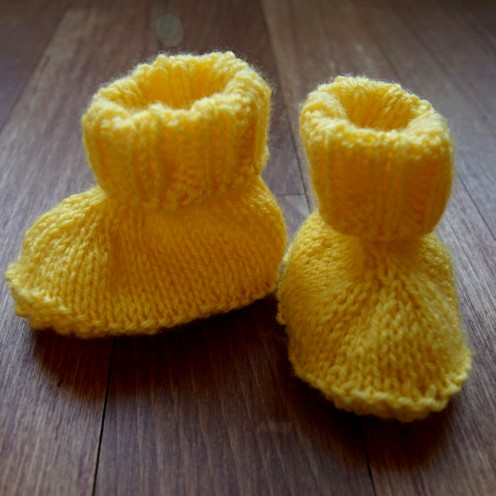 Baby booties knit yellow.2