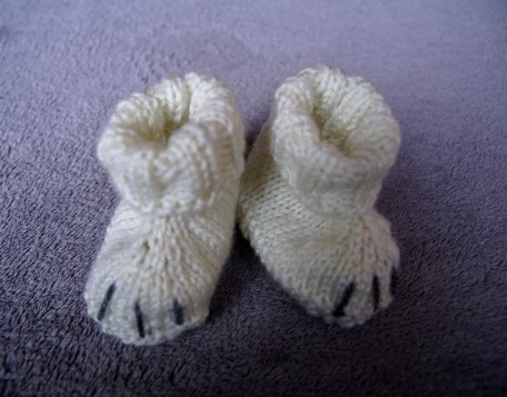 Polar bear baby set hand knit booties.2