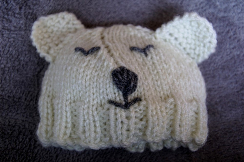 Polar bear baby set hand knit hat.2