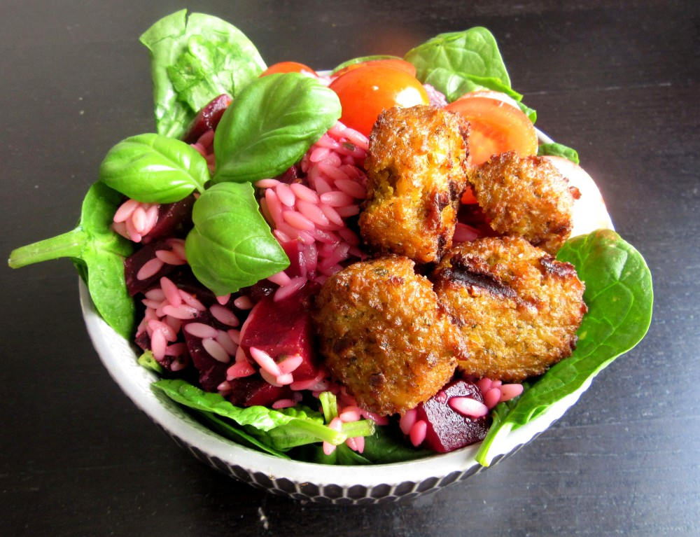 riso salad with beetroot falafel spinach tomato basil 3.2
