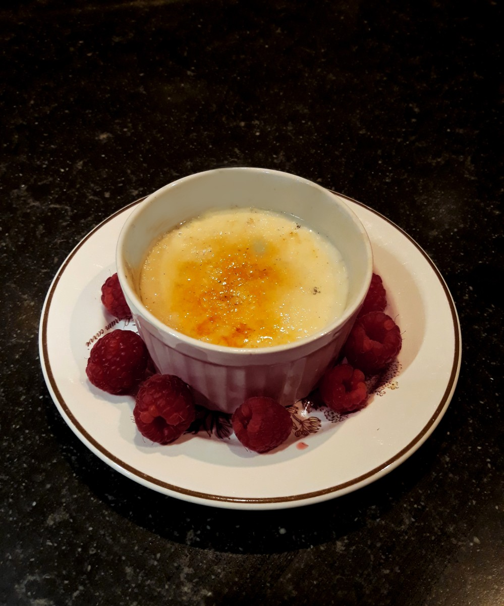 Vegan creme brulee with raspberries.4