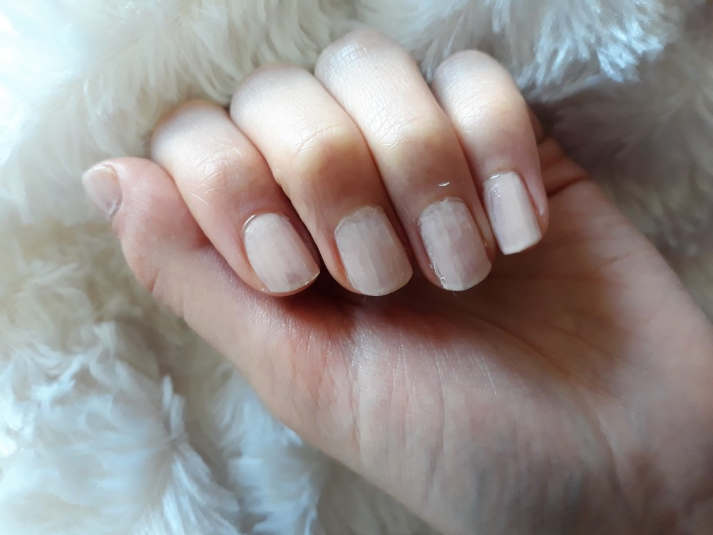 sprinkles nail art beige tan basis