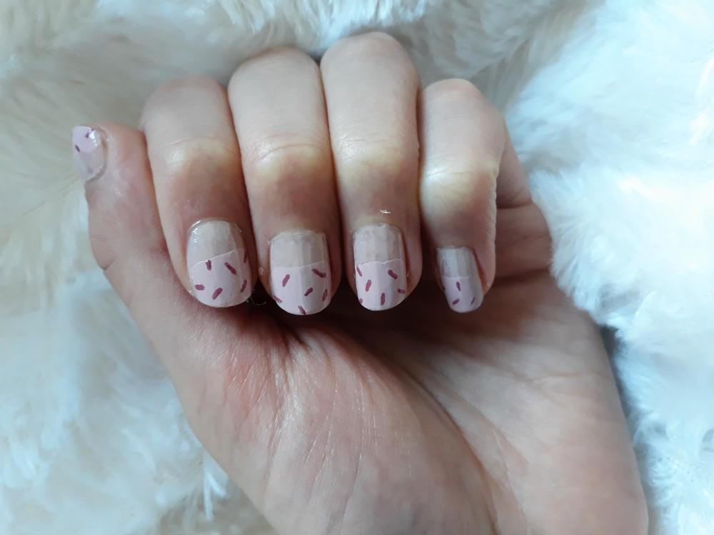 sprinkles nail art pink frosting one colour sprinkles