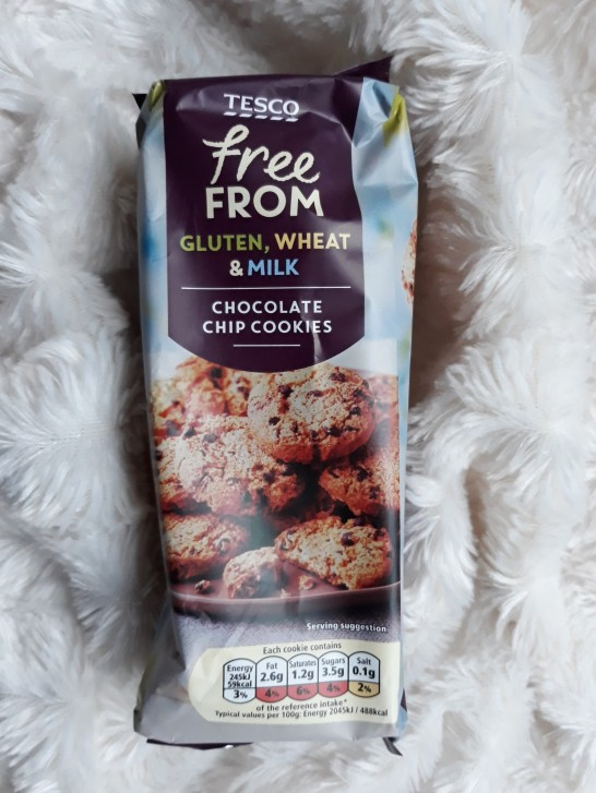 Tesco free from chocolate chip cookies